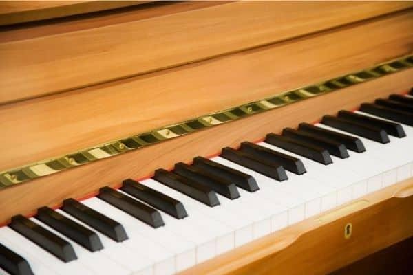 Gitarr- & Pianolektioner